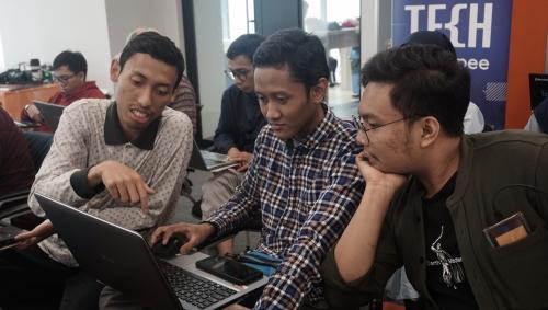 Belajar Di Rumah dengan Mengenal R VS Python Sebagai Bahasa Pemrograman yang Cocok untuk Pemula